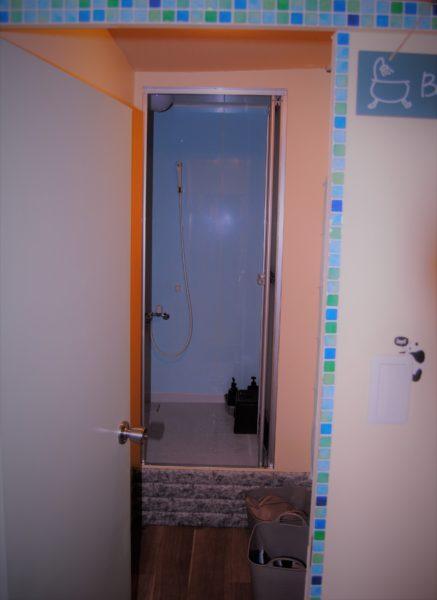 シャワールームもあります。僕は利用しませんでしたが、清潔な感じでしたよ。