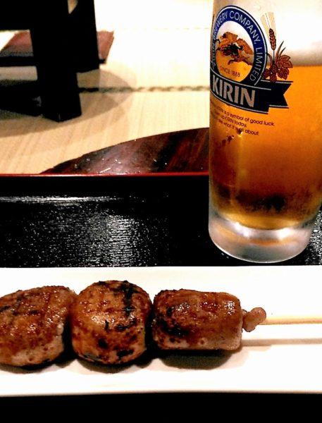 そば団子(350円)、生ビール(中)630円くらい。