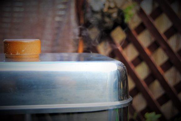 プーンとスモーキーな煙が出てきます。画像でわかるかな?