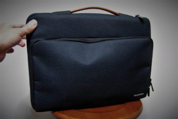 正面から見るとバッグがいびつになっているので、ちょっと恰好悪いです。