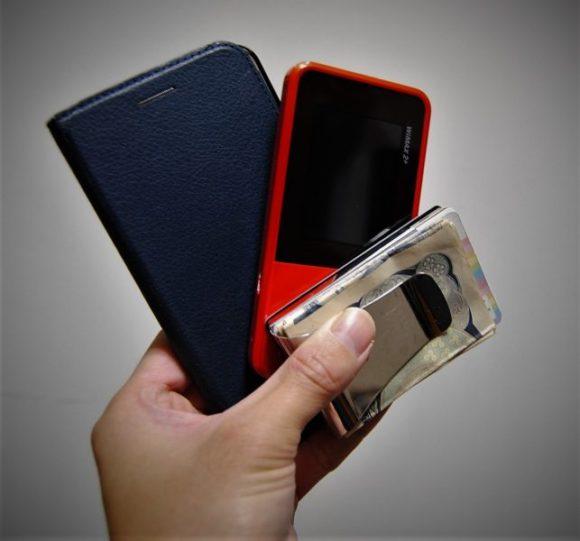 スマホ(zenphone3)、ポケットWi-Fi、マネークリップ(STRUS)