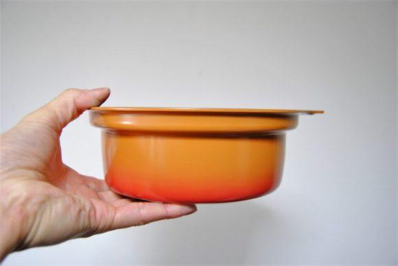 高さは約10.8cmあるので、一人用なら鍋の具材も十分入ります。