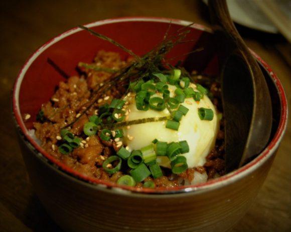 鶏そぼろ丼(500円)