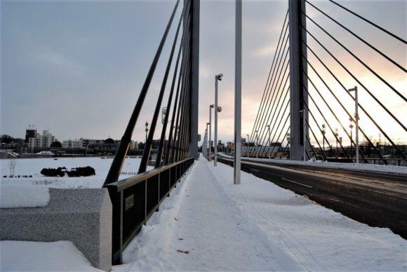 豊平川にかかるミュンヘン大橋。