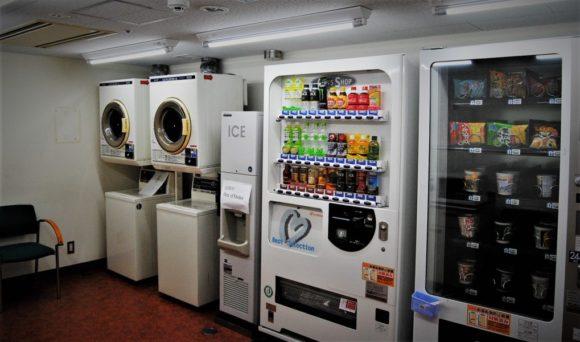 洗濯機、乾燥機、製氷機があります。