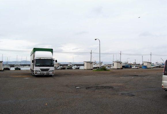 お店の前に駐車スペースもある。
