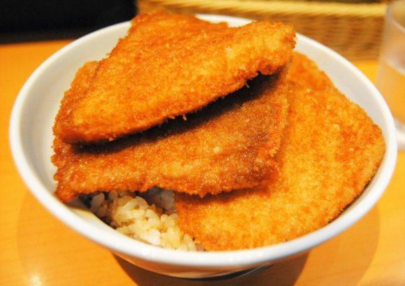 5枚重ねの『タレカツ丼』