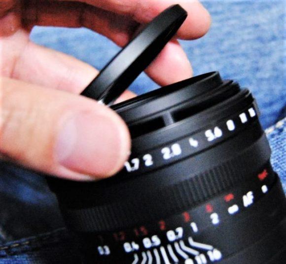 ライカQPのレンズフードを付けるときは、元からついてるリング状のリングを外すんですね。