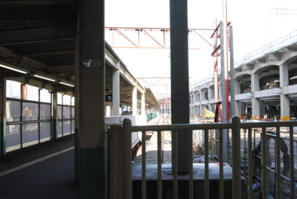 9番ホームは新潟駅構内の端にある。