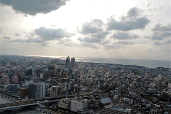 日本海がキラキラしてます。