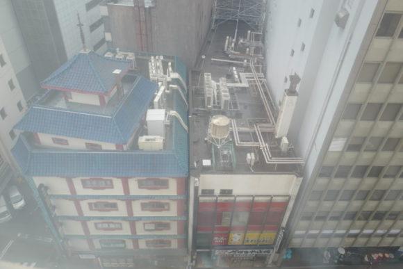 11階からの眺め(窓は開かない)。