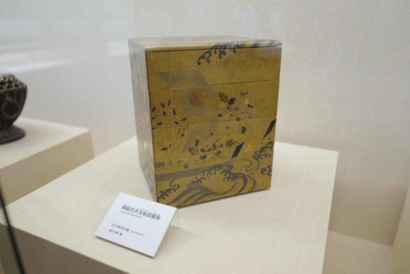 蒔絵花弁宝不船図重箱(1843年、天保14年)