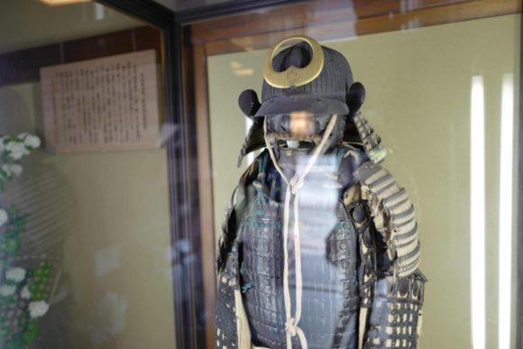 野村伝兵衛が着用した鎧と兜