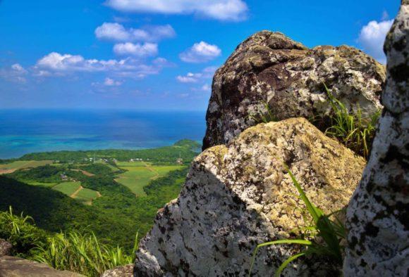 ゴツゴツした岩山。どのようにして形成された山なんだろうか?