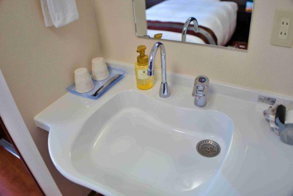 デザインがナイスな洗面所。