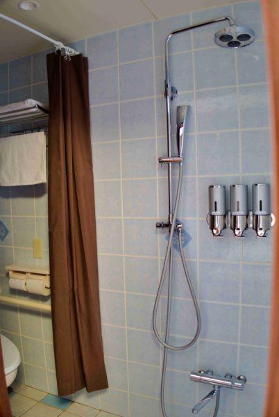 シャワーとトイレ。