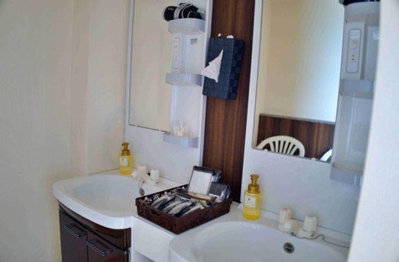 浴場の洗面所もキレイ