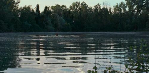 セリオ川の畔の映画のワンシーン。