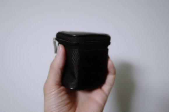 黒いケースに入っている。