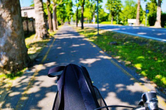 夏は超暑いのでホテルで借りた自転車が役立った。