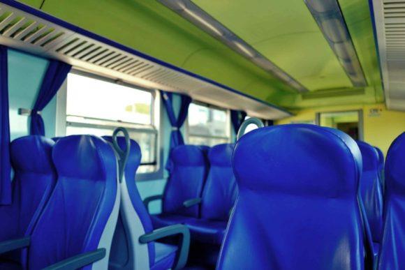 列車内の様子。