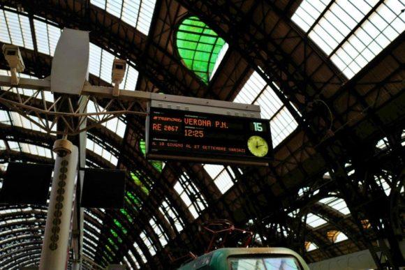 12:25発の列車を発見!