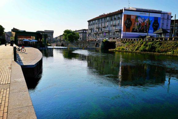 透明度が増してきたナヴィリオ運河。