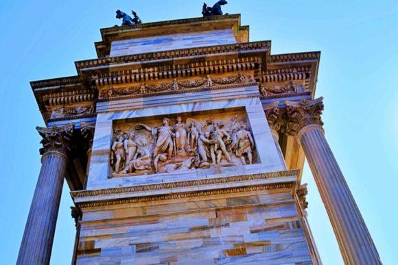 イタリア旅行,ミラノ,ドゥオーモ以外,観光,穴場,おすすめ,展望台,トッレブランカ,ナヴィリオ運河,楽しみ方,最新,スポット,フォトジェニック,女子,平和の門