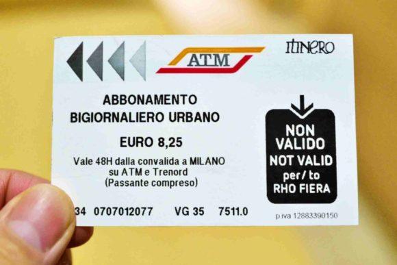 タバッキで購入したミラノ地下鉄の48時間チケット。