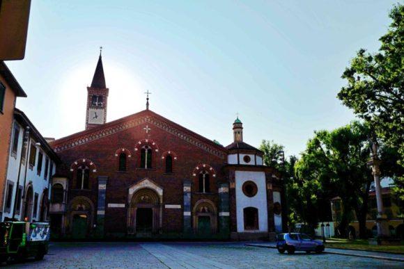 佇まいが素敵なBasilica di Sant'Eustorgio。