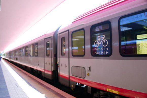 ボルツァーノ行きの列車。