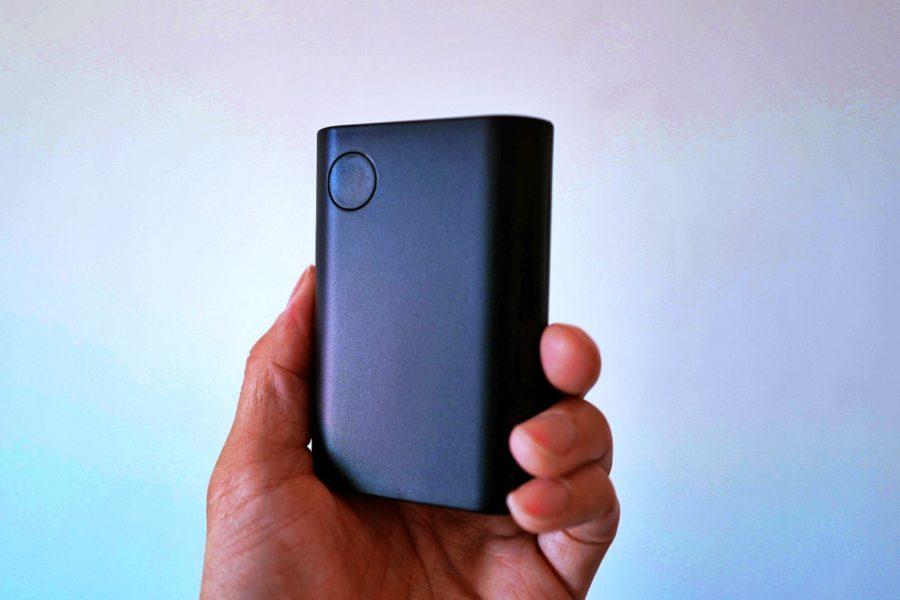 13800mAhのモバイルバッテリー。1泊登山で役立つ。