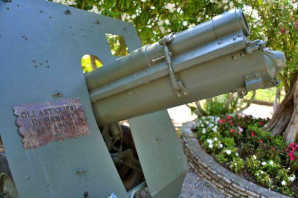 大砲と言えばナポレオンですが、1796年のガルダ湖畔の戦いが関係しているのかもしれない。