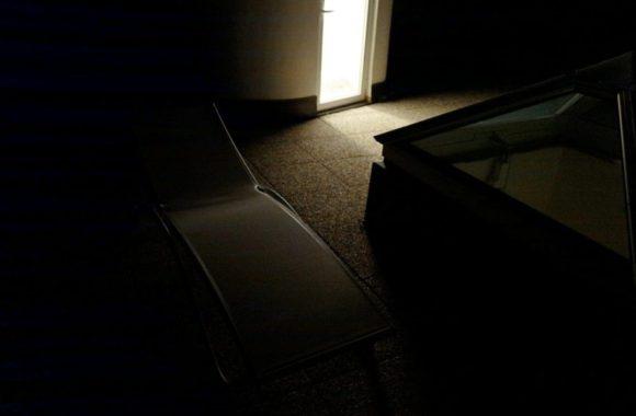 自動ライトでデッキチェアが出せます。