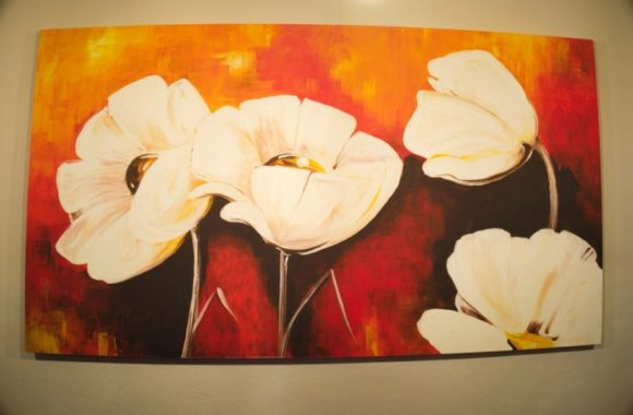 ホテルには絵画が沢山飾ってあった。アート好きなのかな?