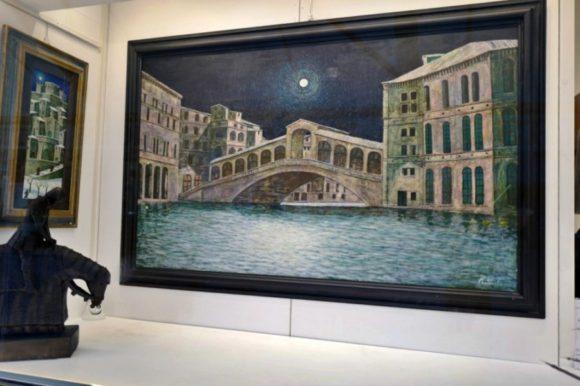 ヴェネツィアのリアルト橋だ。