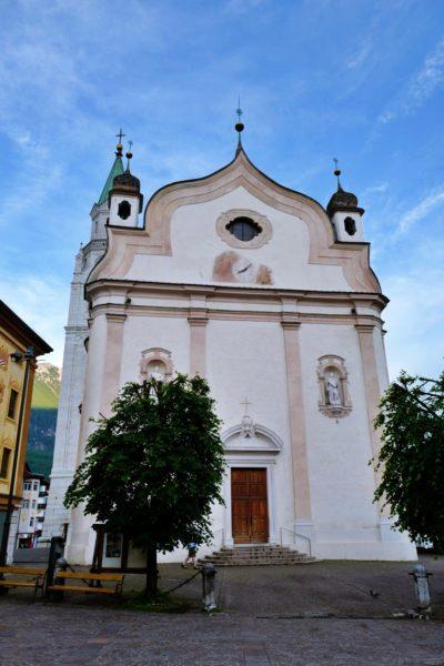 コルティナダンペッツォの教会