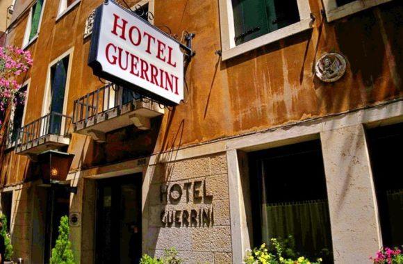 ホテルゲッリーニ受付の入り口。