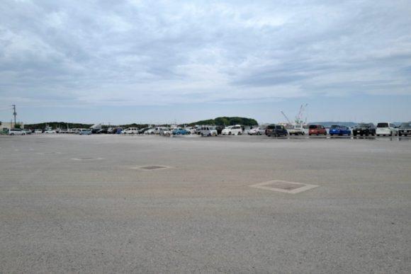 T港はズラッと車が並ぶ大盛況ぶり。