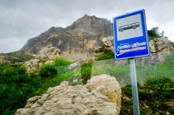 ドロミテバス・コルチナエクスプレスの標識。