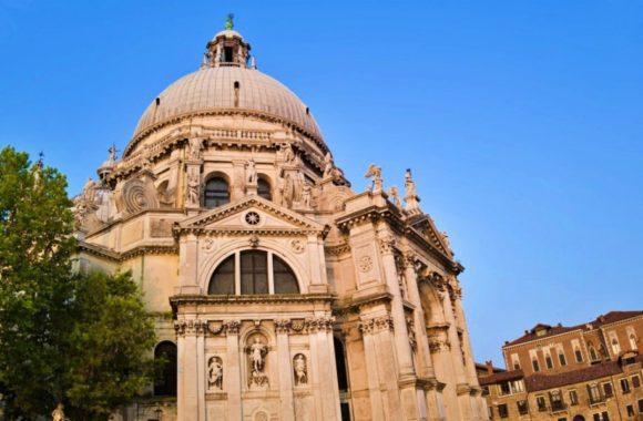 ヴェネツィアンバロックを代表するロンゲーナの建築。素晴らしい!