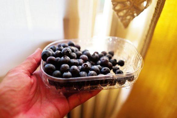 スーパーで買ったブルーベリー。