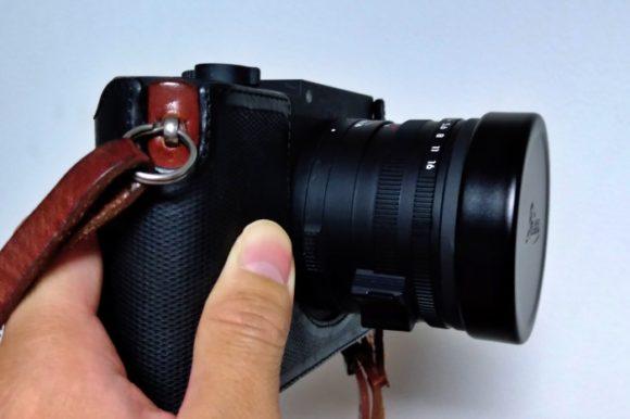 LeicaQPと色が合わない…。キャップが黒光りすぎる。