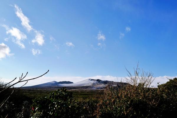 標高の758m三原山。