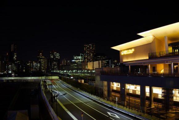 摩天楼と高輪ゲートウェイ