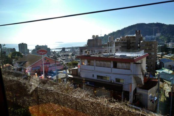 来宮駅はすぐ近くだ。