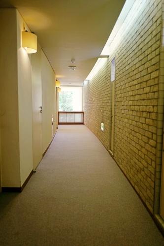望洋館の廊下。