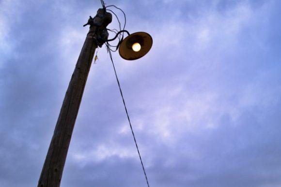 昭和を感じる街灯。
