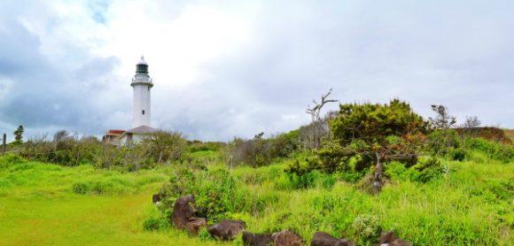 絵葉書のような野島埼灯台。
