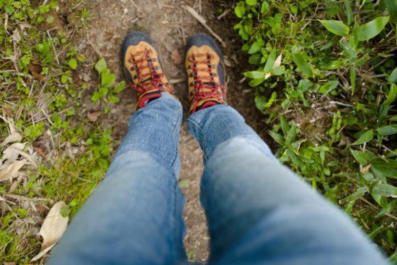 短パン掃きたいけど我慢。靴はコロンビア。